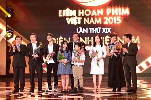 """Phim """"Hoa vàng cỏ xanh"""" bội thu giải thưởng ở LHP VN 19 - 1"""
