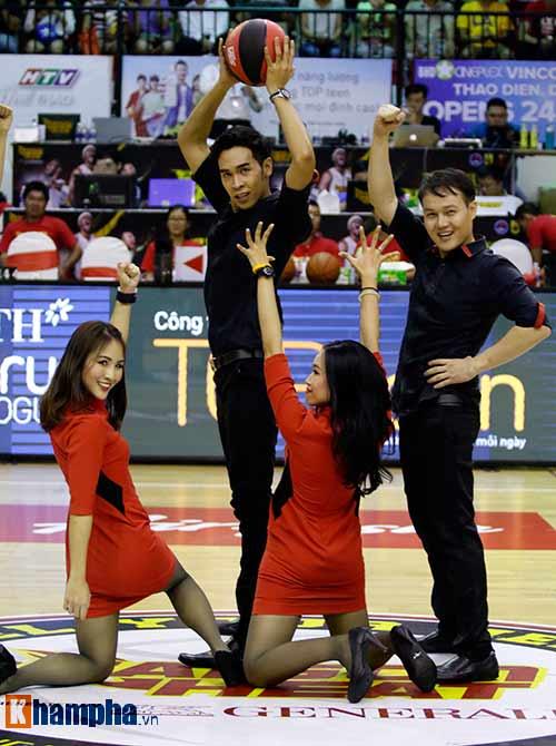 """Người đẹp Thái Lan """"đốt nóng"""" sân bóng rổ Việt Nam - 8"""