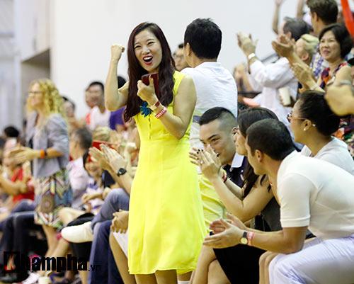 """Người đẹp Thái Lan """"đốt nóng"""" sân bóng rổ Việt Nam - 10"""
