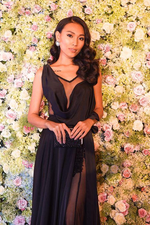 Diệu Huyền diện váy đen gợi cảm nổi bật tại sự kiện - 1