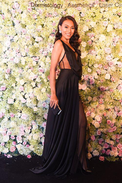 Diệu Huyền diện váy đen gợi cảm nổi bật tại sự kiện - 2
