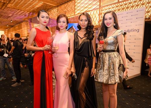 Diệu Huyền diện váy đen gợi cảm nổi bật tại sự kiện - 8