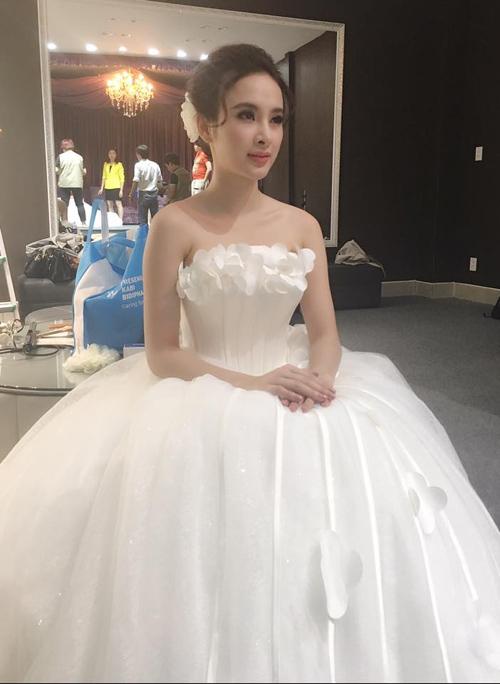 Facebook sao 6/12: Angela Phương Trinh làm cô dâu - 1