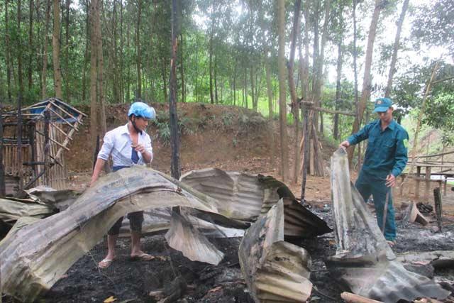 Cháy nhà vì nấu ăn bất cẩn, 2 vợ chồng thương vong - 1