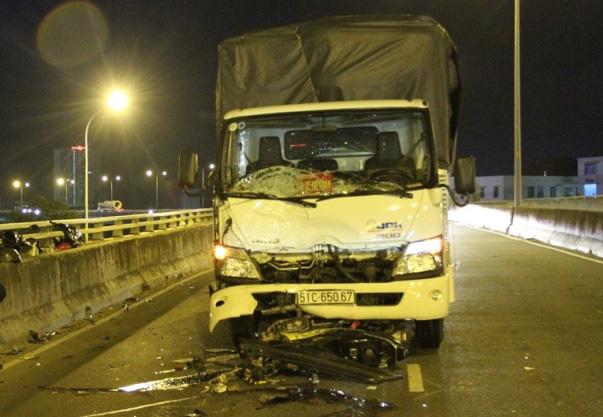 Tai nạn chết người trên cầu dây văng hiện đại nhất TP.HCM - 1