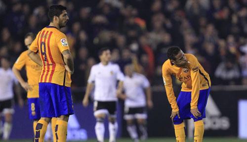 """Barca trượt chân: Cẩn thận """"vết xe đổ"""" Real - 2"""