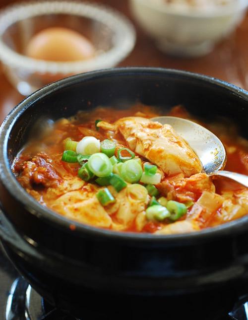 Bữa cơm hấp dẫn với 4 món canh ấm nóng - 2