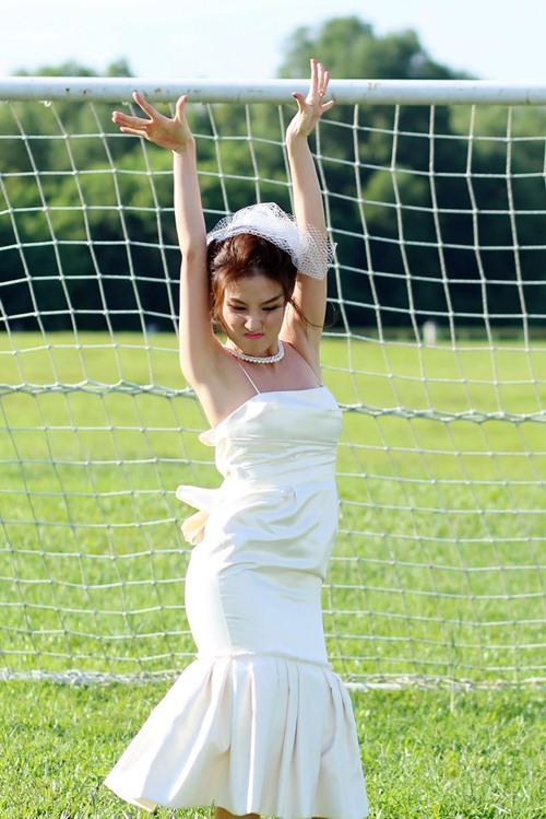 """Bình Minh, Diễm My mặc đồ cưới nhảy """"bá đạo"""" - 2"""