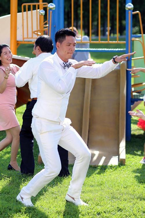 """Bình Minh, Diễm My mặc đồ cưới nhảy """"bá đạo"""" - 3"""
