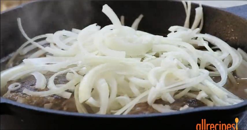 Chả bò chiên nấm ăn kèm cơm nóng ngon tuyệt - 3