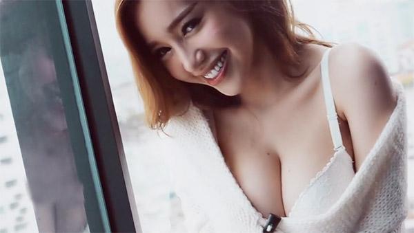 """""""Bỏng mắt"""" với clip chụp ảnh gợi cảm của Elly Trần - 1"""