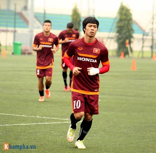 U23 Việt Nam: Tuấn Anh tập riêng, Công Phượng đau tay - 4