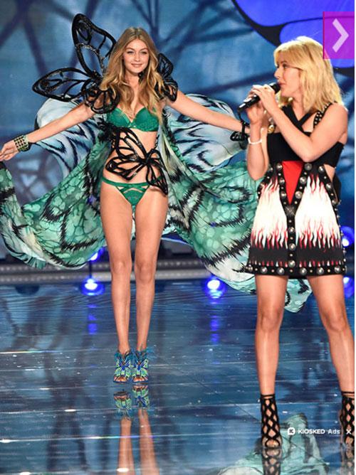 """Video diễn nội y cực """"hot"""" của show Victoria's Secret - 10"""