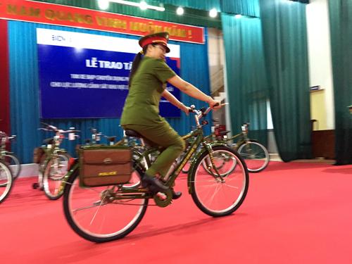 Cảnh sát Quảng Ngãi sẽ tuần tra bằng xe đạp đặc chủng - 1