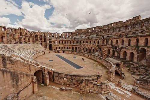5 đấu trường La Mã cổ hiên ngang thách thức thời gian - 1