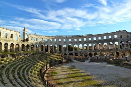 5 đấu trường La Mã cổ hiên ngang thách thức thời gian - 7