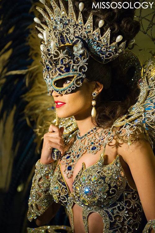 1449718596 1449717627 argentina Đối thủ của Phạm Hương đốt mắt với trang phục dân tộc