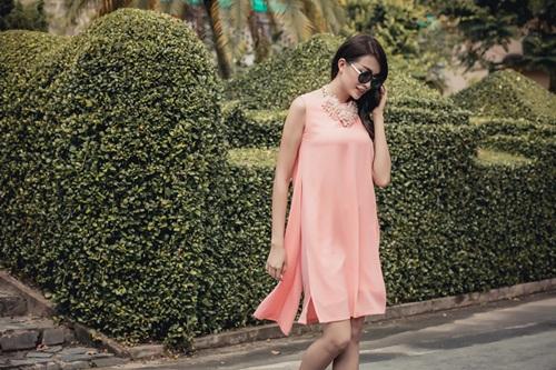 1449718796 1449716642 untitled 10038 Diện váy suông xuống phố thời trang như á hậu Lệ Hằng