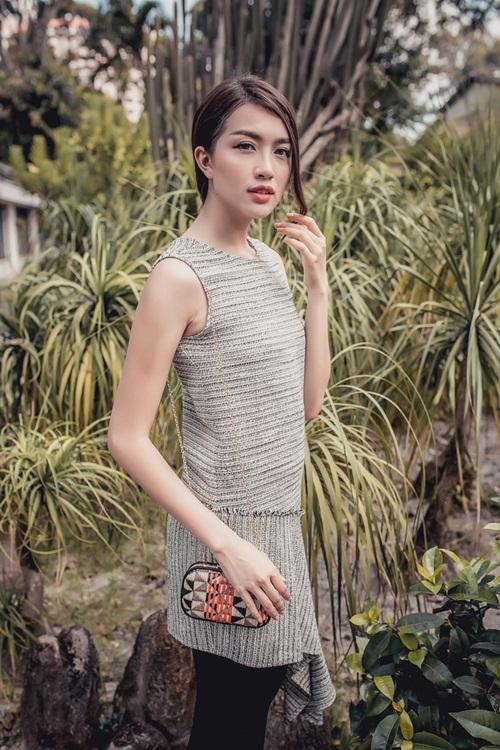 1449718796 1449716677 untitled 10189 Diện váy suông xuống phố thời trang như á hậu Lệ Hằng