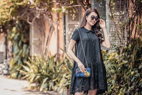 1449718796 1449717065 untitled 19872 Diện váy suông xuống phố thời trang như á hậu Lệ Hằng