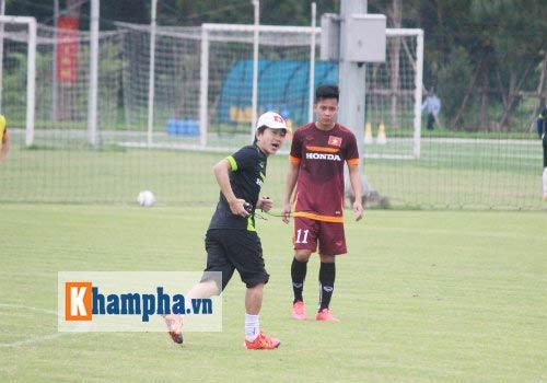 "Clip: HLV Miura ""truyền lửa"" cho U23 Việt Nam - 1"