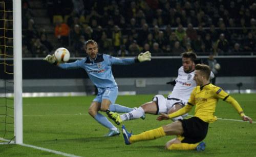 Dortmund - PAOK: Thánh nhân đãi kẻ khù khờ - 1