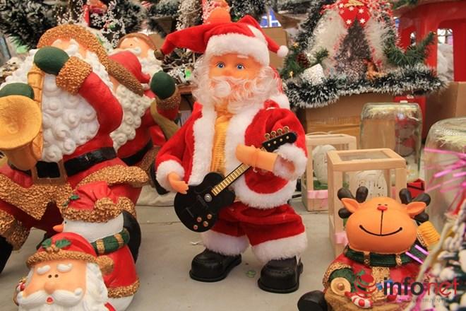 """Thị trường Noel: Thông """"tứ sắc"""" rực rỡ giá rẻ tràn ngập - 5"""