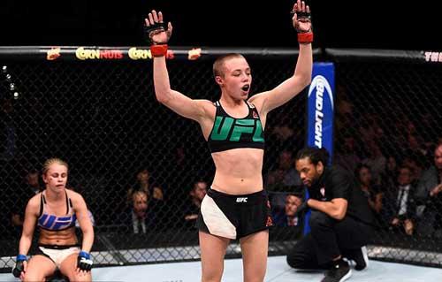 """Tranh đai hạng lông, """"Hoa khôi"""" UFC bị đánh bầm dập - 6"""