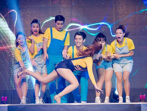 Những sự cố nhớ đời của sao Việt trên sân khấu 2015 - 3