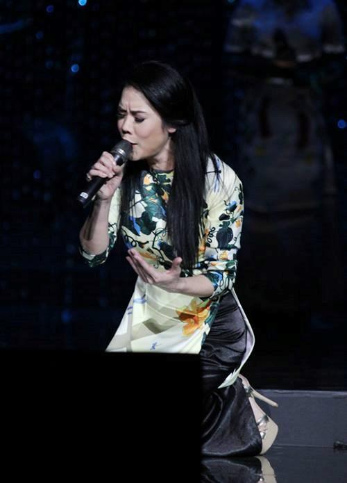 Những sự cố nhớ đời của sao Việt trên sân khấu 2015 - 7