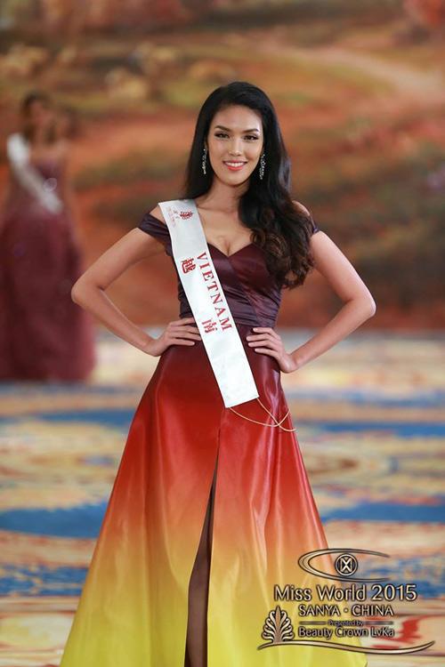 1449818958 1449816357 vay9 Váy của Lan Khuê lọt top 10 thiết kế dạ hội đẹp nhất
