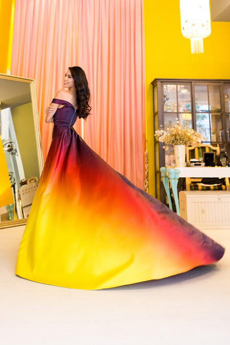 1449818959 1449816357 vay11 Váy của Lan Khuê lọt top 10 thiết kế dạ hội đẹp nhất