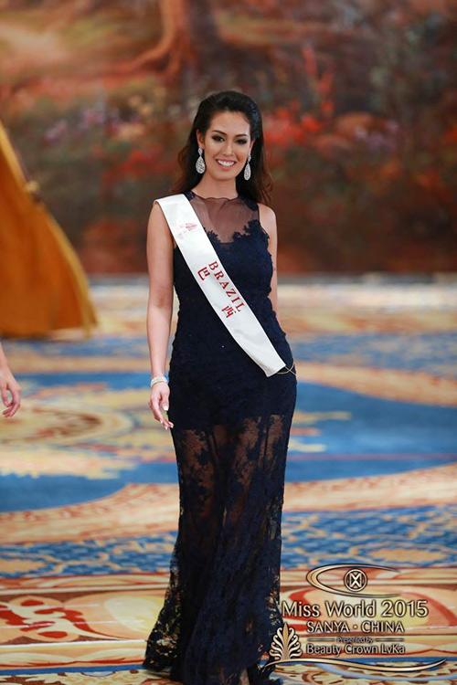 1449818959 1449816357 vay2 Váy của Lan Khuê lọt top 10 thiết kế dạ hội đẹp nhất