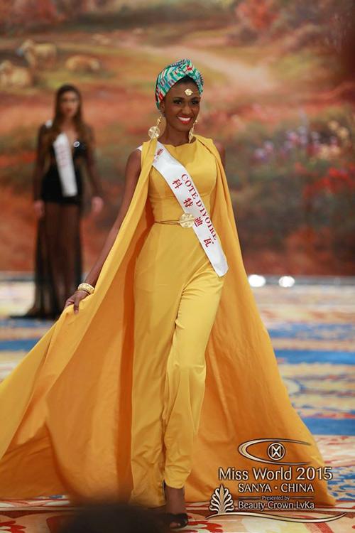 1449818959 1449816357 vay3 Váy của Lan Khuê lọt top 10 thiết kế dạ hội đẹp nhất