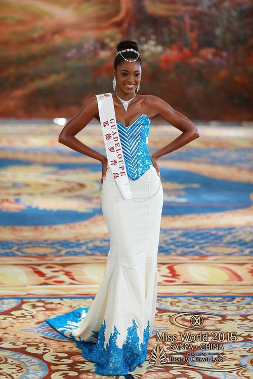 1449818959 1449816357 vay4 Váy của Lan Khuê lọt top 10 thiết kế dạ hội đẹp nhất