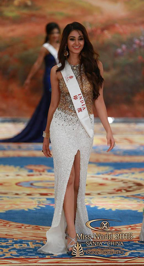 1449818959 1449816357 vay5 Váy của Lan Khuê lọt top 10 thiết kế dạ hội đẹp nhất