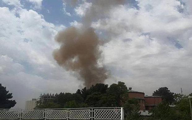 Taliban đánh bom rung chuyển tòa nhà Quốc hội Afghanistan - 2