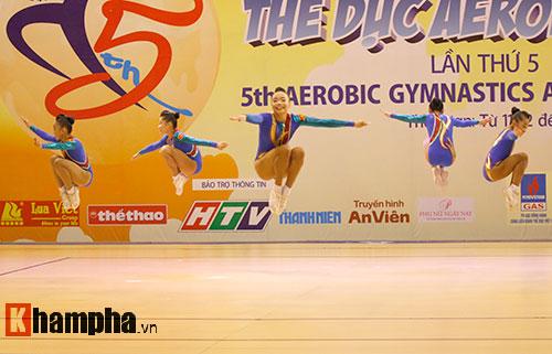 Bị sự cố nhạc, VĐV nhí VN vẫn dẫn đầu vòng loại Aerobic châu Á - 13