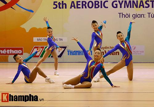 Bị sự cố nhạc, VĐV nhí VN vẫn dẫn đầu vòng loại Aerobic châu Á - 14