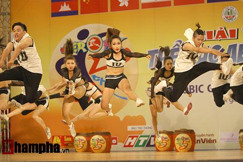 Bị sự cố nhạc, VĐV nhí VN vẫn dẫn đầu vòng loại Aerobic châu Á - 2