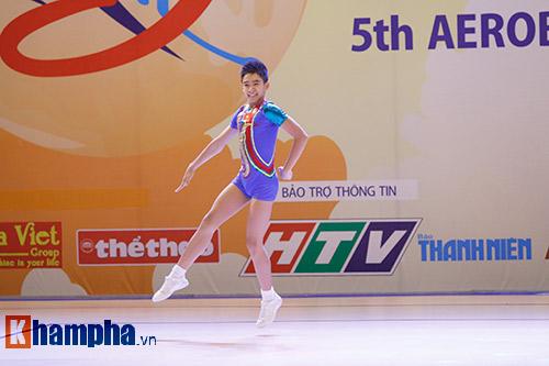 Bị sự cố nhạc, VĐV nhí VN vẫn dẫn đầu vòng loại Aerobic châu Á - 6