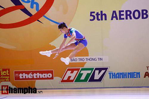 Bị sự cố nhạc, VĐV nhí VN vẫn dẫn đầu vòng loại Aerobic châu Á - 7