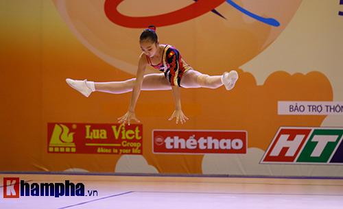 Bị sự cố nhạc, VĐV nhí VN vẫn dẫn đầu vòng loại Aerobic châu Á - 9