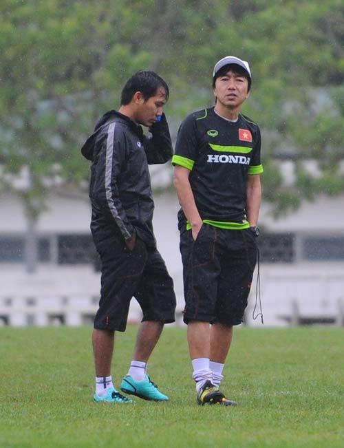 "Clip: HLV Miura ""truyền lửa"" cho U23 Việt Nam - 5"