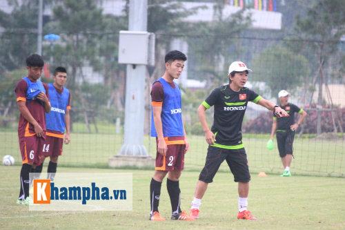 "Clip: HLV Miura ""truyền lửa"" cho U23 Việt Nam - 2"