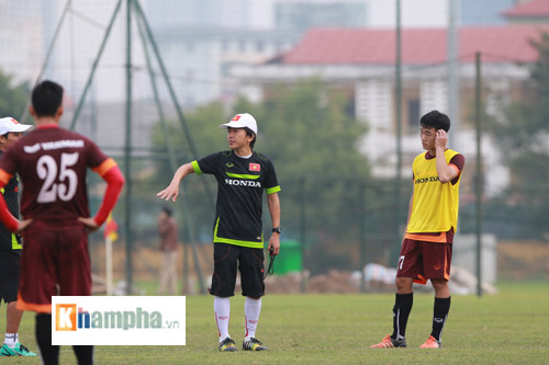 "Clip: HLV Miura ""truyền lửa"" cho U23 Việt Nam - 3"