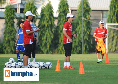 "Clip: HLV Miura ""truyền lửa"" cho U23 Việt Nam - 6"