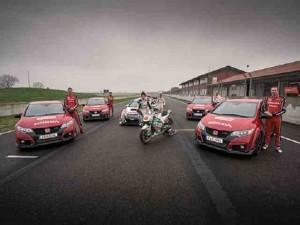 Video Honda Civic Type R đối đầu với motor  RC213V MotoGP