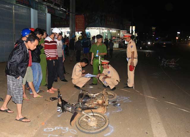 Xe công nông gây tai nạn liên hoàn ở Đắk Lắk - 1