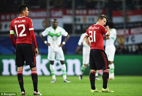 "Van Gaal khuyên fan MU nên ""quen"" với thất bại - 1"